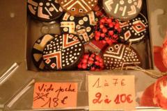 Braderie d'objets artisanaux africains à loubess marseille